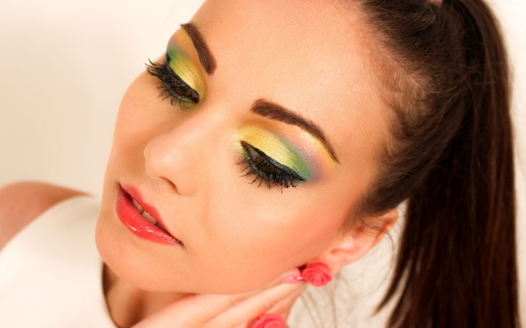 eye makeup for colored lenses