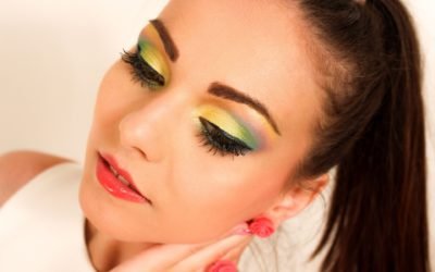 This Or That? The Right Eye Makeup For Colored Lenses